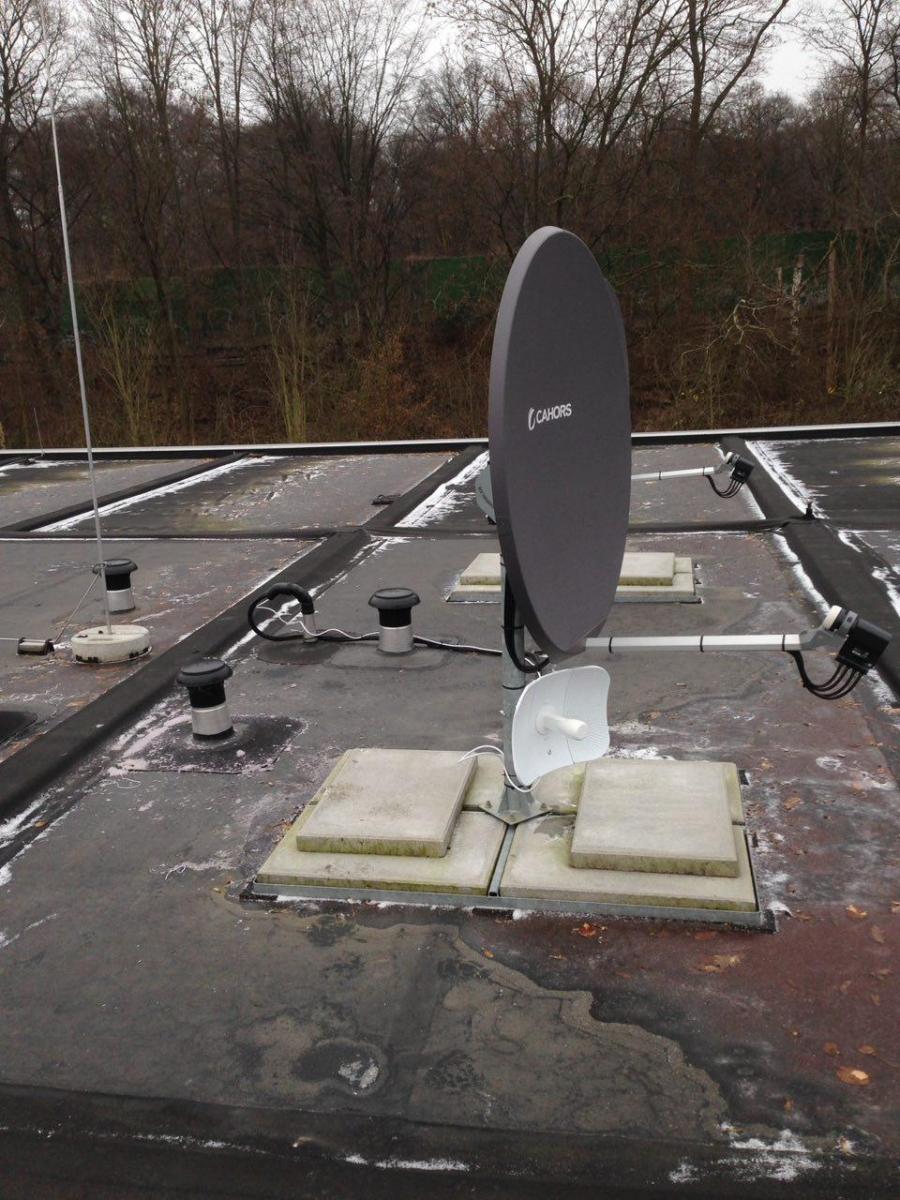 LitebeamAC an SAT-Dachständer